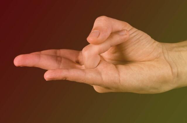 Scooper - Health News: Holding Your Hand in This Position